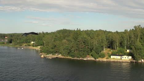 Sweden-Stockholm-Archipelago-&-gulls-1s