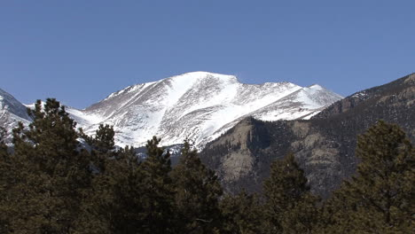 Colorado-peak-with-snow-zoom-out