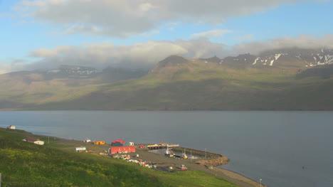 Islandia-Mjoifjordur-Fiordo-Puerto-2