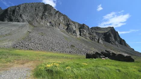 Iceland-east-coast-mountain-1