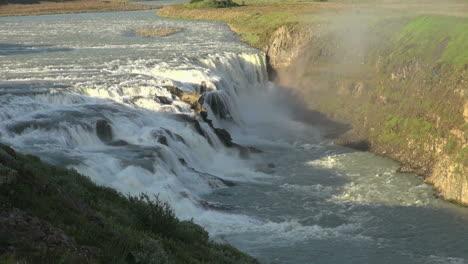 Iceland-Gullfoss-upper-falls-4