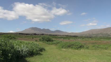 Iceland-Pingvellir-cliff-in-landscape