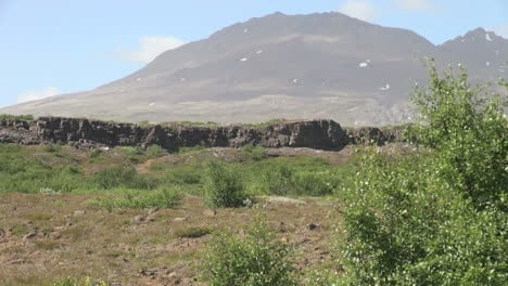 Iceland-Pingvellir-cliff-&-mountain