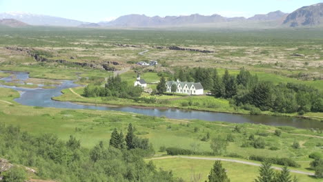 Iceland-Pingvellir-valley-view-zoom-out