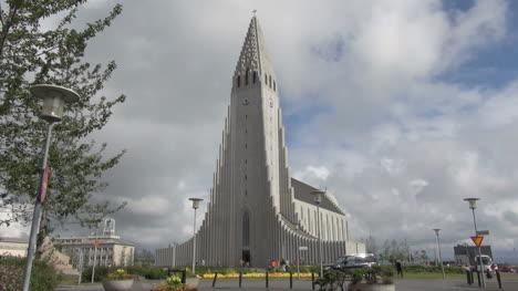 Iceland-Reykjavik-cathedral-2