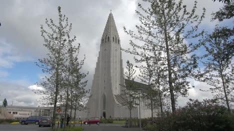 Iceland-Reykjavik-cathedral-3
