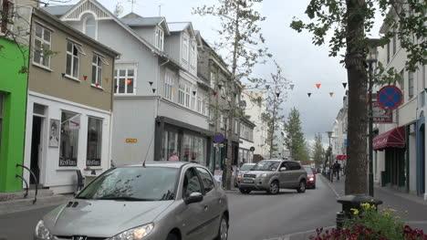 Iceland-Reykjavik-street-with-traffic