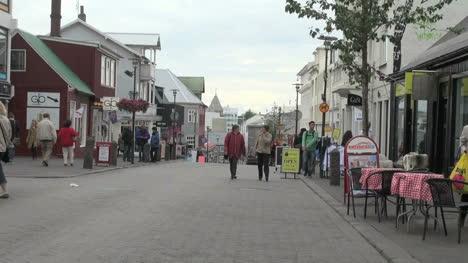 Iceland-Reykjavik-street-cafe-4