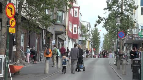 Iceland-Reykjavik-shopping-street-scene