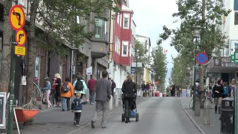 Iceland-Reykjavik-downtown-street-scene