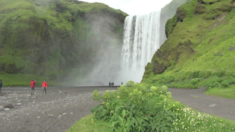 Iceland-Skogafoss-waterfall-and-river