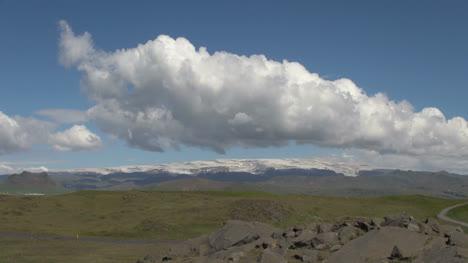 Islandia-Dyrholaey-Nubes-Sobre-Glaciar