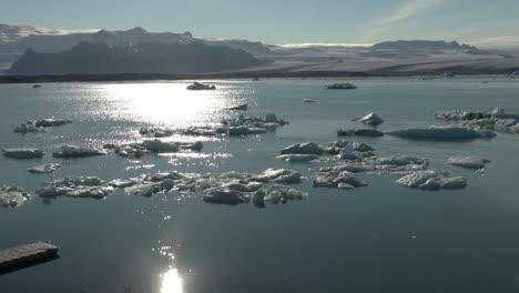 Iceland-Jokulsarlon-ice-floes-sun-on-water