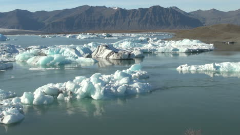 Iceland-Jokulsarlon-ice-floes-7