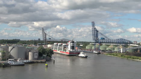 Netherlands-Rotterdam-tug-barge-and-loading-structures