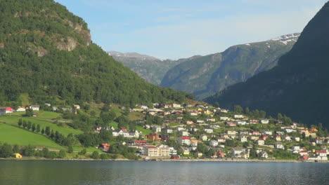 Noruega-Aurlandsfjord-Casas-De-Pueblo-S