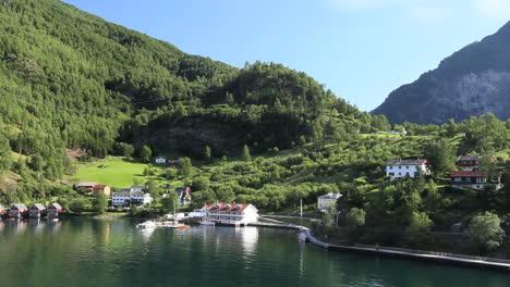 Norway-Flam-head-of-fjord-c