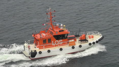 Norway-Kristiansand-pilot-boat-speeding