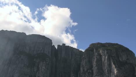 Norway-Lysefjord-timelapse-cloud-&-mist-s