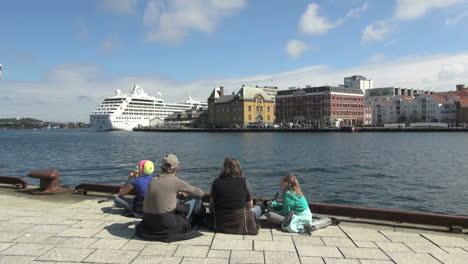 Norway-Stavanger-family-on-dock-s