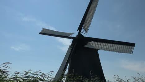 Holanda-Molino-De-Viento-Kinderdijk-Girando-Silueta-Contra-El-Cielo-11