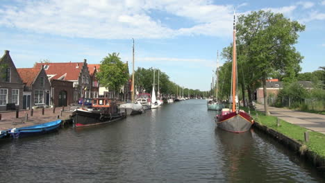 Netherlands-Edam-canal-boats