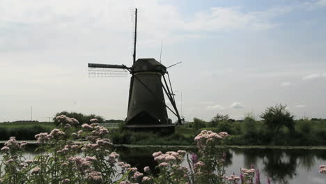 Netherlands-Kinderdijk-windmill-reflected-in-canal-3