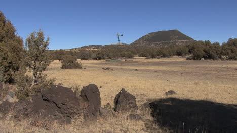 New-Mexico-rocks-and-Capulin-Mt-