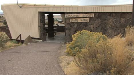 Idaho-Massacre-Rocks-park-building