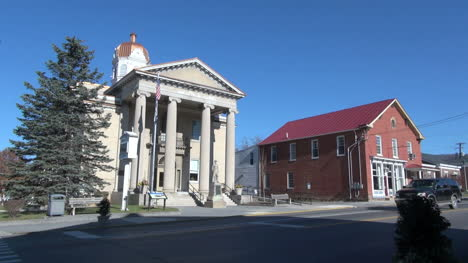 West-Virginia-Romney-courthouse
