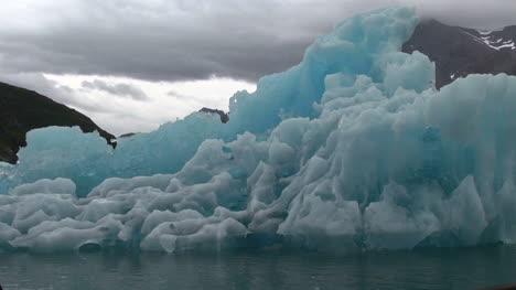 Greenland-ice-fjord-blue-iceberg