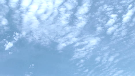 High-altitude-clouds-time-lapse