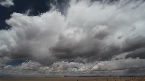 Clouds-over-the-plains-time-lapse