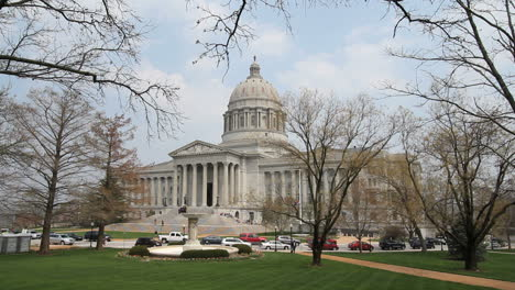 Missouri-capitol-Jefferson-City-c
