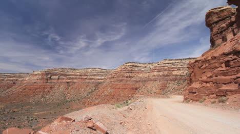 Utah-Dirt-road-up-Cedar-Mesa-c