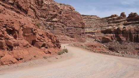 Utah-Road-up-Cedar-Mesa-c