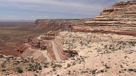 Utah-Road-up-Cedar-Mesa-c1