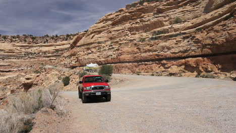 Utah-Truck-by-the-Road-up-Cedar-Mesa-c1