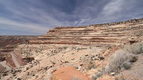 Utah-road-up-Cedar-Mesa
