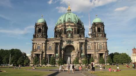 Berlin-Cathedral-facade