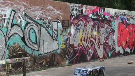 Berlin-Mauerpark-graffiti