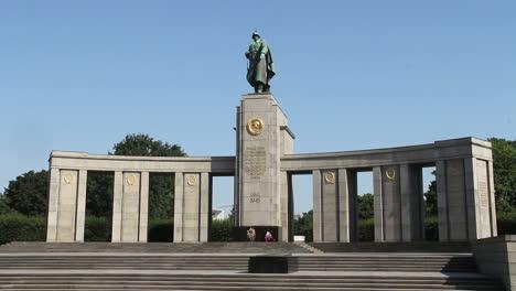 Berlin-Tiergarten-WWII-Memorial