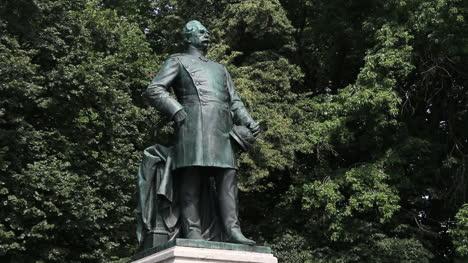Berlin-Tiergarten-Albrecht-Graf-von-Roon-statue