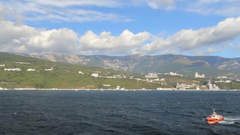 Ukraine-03-Crimean-coast-approaching-Yalta-c