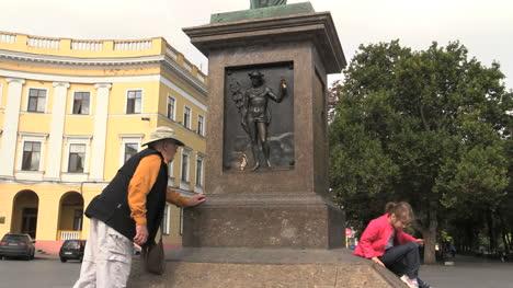 Ukraine-43-Odessa-with-man-and-statue-cx