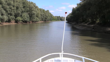 Romania-Danube-delta-view-from-boat-cx