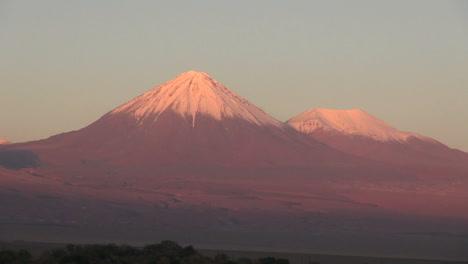 Atacama-Licancabur-Volcano-evening