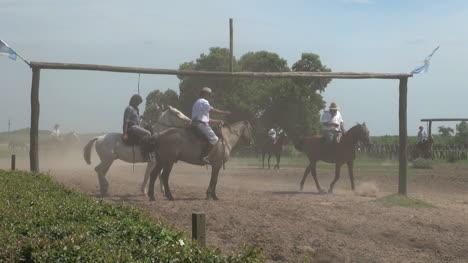 Argentine-Estancia-gaucho-game-editorial