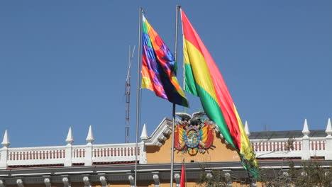 La-Paz-flags-&-government-seal-c