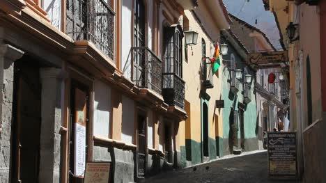 Bolivia-La-Paz-back-street